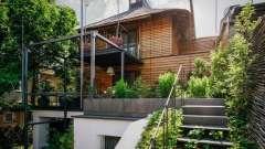 Заміський будинок в румунії: велика кількість зелені і натуральні матеріали для декору