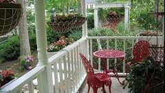 Як облаштувати терасу приватного будинку?